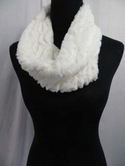 fuzzy-circle-neckwarmer-scarf-126i.jpg